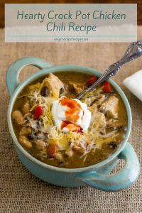 Hearty Crock Pot Chicken Chili Recipe via easycrockpotrecipe.com