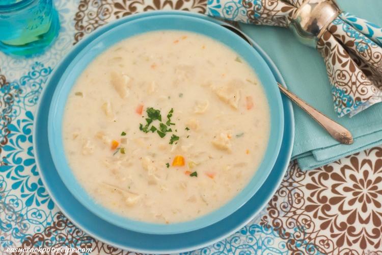 Crock Pot Cheesy Cauliflower Soup recipe via easycrockpotrecipe.com